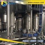 El llenado de agua mineralizada máquina que capsula