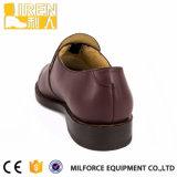 Brown-Farben-Kuh-Leder-Uniform-Schuhe