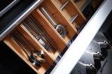 白いラッカー光沢度の高いMDFの食器棚か現代台所デザイン