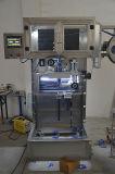 Barril plástico automático del agua que hace la máquina