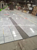 イタリアの大理石は白いカラーラの大理石の床タイルに値を付ける