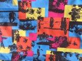 Самомоднейшие абстрактные краткости рубашки Beachwear напечатали ткань полиэфира персика