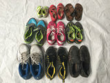 Используемое качество Китая верхнее обувает экспорт ботинок спортов человека к Африке