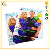 전문가는 최고 가격 및 고품질로 인쇄하는 잡지를 주문 설계한다