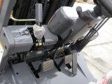 日産K21エンジンまたはガソリンフォークリフトが付いている2500kg LPGのフォークリフト