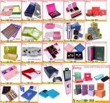 Косметические продукты красотки упаковывая коробку подарка установленную