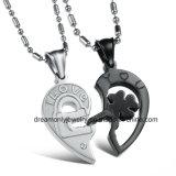 De romantische Halve Halsband van de Ketting van de Halsbanden van het Paar van het Roestvrij staal van de Halsband van de Tegenhanger van het Raadsel van het Hart van de Liefde 316L