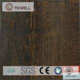 Самое дешевое в цене настила PVC домочадца Китая деревянном