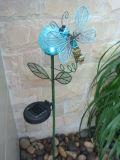 Solar forma de la flor de alimentación artesanales de metal con la mariposa
