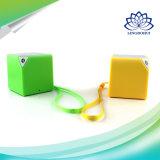 Caja de altavoz sin hilos de Bluetooth con el diseño de la manera del cubo