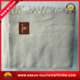 専門の日本毛布によって刺繍される珊瑚の羊毛は総括的な航空会社の一面をおおう