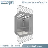 Elevación panorámica del elevador con la cabina de cristal para visitar puntos de interés usando