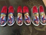 Самое лучшее продавая ботинки холстины картины человека утюга для взрослый вскользь ботинок