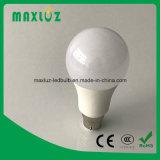Lampadina calda 7W di vendita SMD A19 E27 LED con bianco