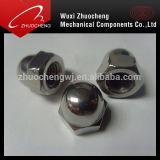 Écrous borgnes DIN1587 galvanisés d'acier du carbone