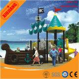 Terrain de jeux en plein air pour enfants avec thème d'aventure