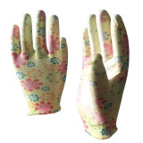 Les femmes travailler la main des gants de jardin avec fleur enduit PU