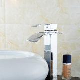 Robinets de salle de bains montés par paquet simple de traitement de taraud de lavabo