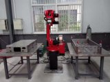 Robô de soldadura com carga da tabela giratória