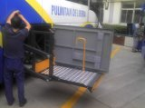 Luggage部屋のWLT 1600 Bus Wheelchair Lift Installed