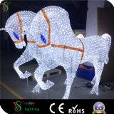 Luz branca do motivo da decoração da cor do Natal de Papai Noel do carro do cavalo