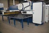 Штемпелевать CNC/машина давления/машина инструментов Amada пробивая
