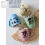 Tasses de café en céramique glacées par couleur avec le modèle populaire