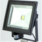 Naswietlacz / halogène 10W LED Z Czujnikiem Ruchu IR Bialy Cieply