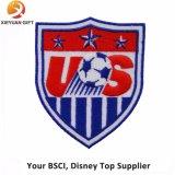 Articolo su ordinazione del distintivo del ricamo di sport di calcio con il marchio