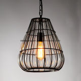 Lámpara pendiente de cristal con el marco negro para el restaurante