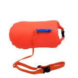 Sac de flottement de bouée de natation imperméable à l'eau de sauvetage professionnelle d'inflation avec une boucle de sifflement pour des nageurs d'eau libre