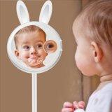 Espejo que magnifica del conejo con el espejo profesional ligero del maquillaje con las luces