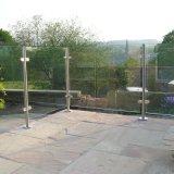 Balustrade van het Glas van het Kanaal van het Aluminium van het balkon het de Post/Traliewerk van het Glas van het Dek