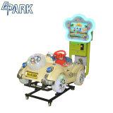 Parc de loisirs Enfants promenades sur la machine de voiture