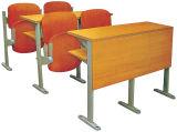 나무로 되는 강의 대학 책상 및 벤치를 접히는 대학 교실 책상과 의자 세트