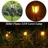 L'énergie solaire pelouse de la flamme de la lampe à LED