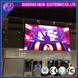 P4 a cores de LED no interior da placa de Sinal Digital