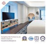 木のベッド(YB-GN-9)が付いている商業ホテルの寝室の家具