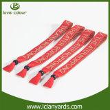 Vente en gros faite sur commande un bracelet tissé par tissu d'utilisation de temps