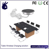 Заряжатель радиотелеграфа использования мебели стола таблицы Qi