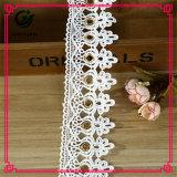 Poliestere decorativo del merletto del ricamo dell'indumento all'ingrosso