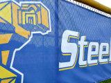Bandiera esterna personalizzata della maglia dello stadio di alta qualità resistente del vento di disegno