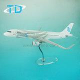 Het ModelVliegtuig van de Hars van het 1:68 van Airfinance van A320neo met AcrylTribune