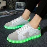 El tubo LED 8 par de zapatillas de deporte de moda Mujeres Hombres adultos LED plana zapatos