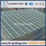 Pisadas de escalera Grating de acero galvanizadas para la escala de paso de progresión de la estructura de acero
