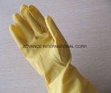 Красочные домашних резиновые перчатки для чистки на кухне