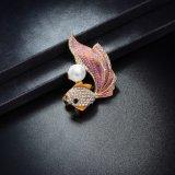 Broche van het Bergkristal van de Parel van het Ontwerp van de Goudvis van het Metaal van de Toebehoren van het kledingstuk de Goedkope