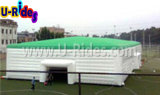 Riesiges aufblasbares Würfelzelt mit grünem Dach
