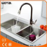 Античные латунные вытягивают вне Faucet воды кухни