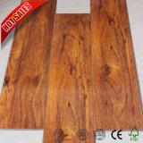 DuPont texturizado de carvalho antigo piso laminado de madeira de Teca